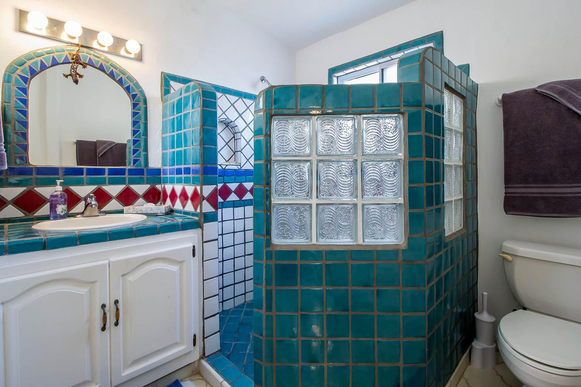 casa estrella ensuite bathroom